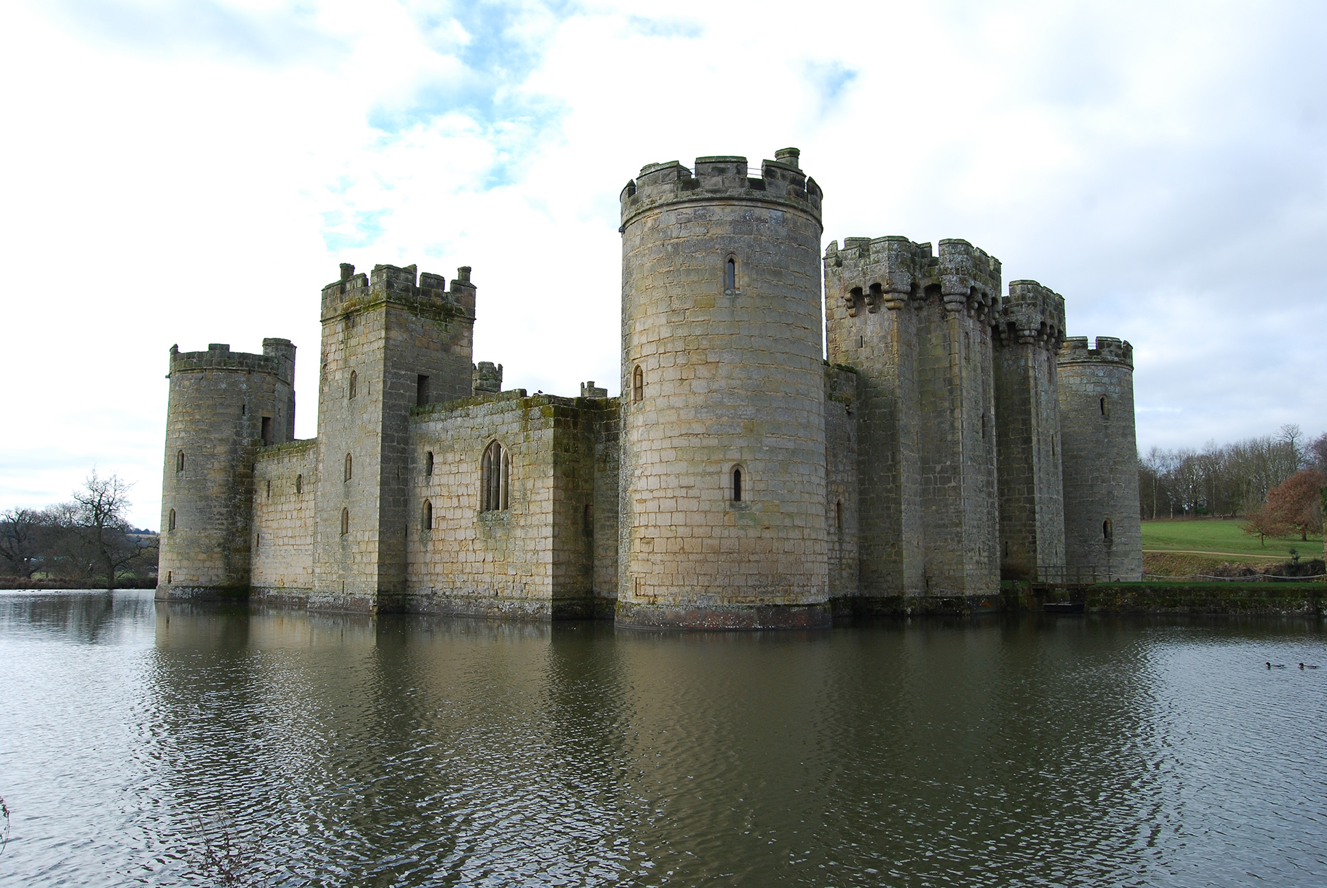 Great Castles Legends The Ghosts Of Bodiam Castle