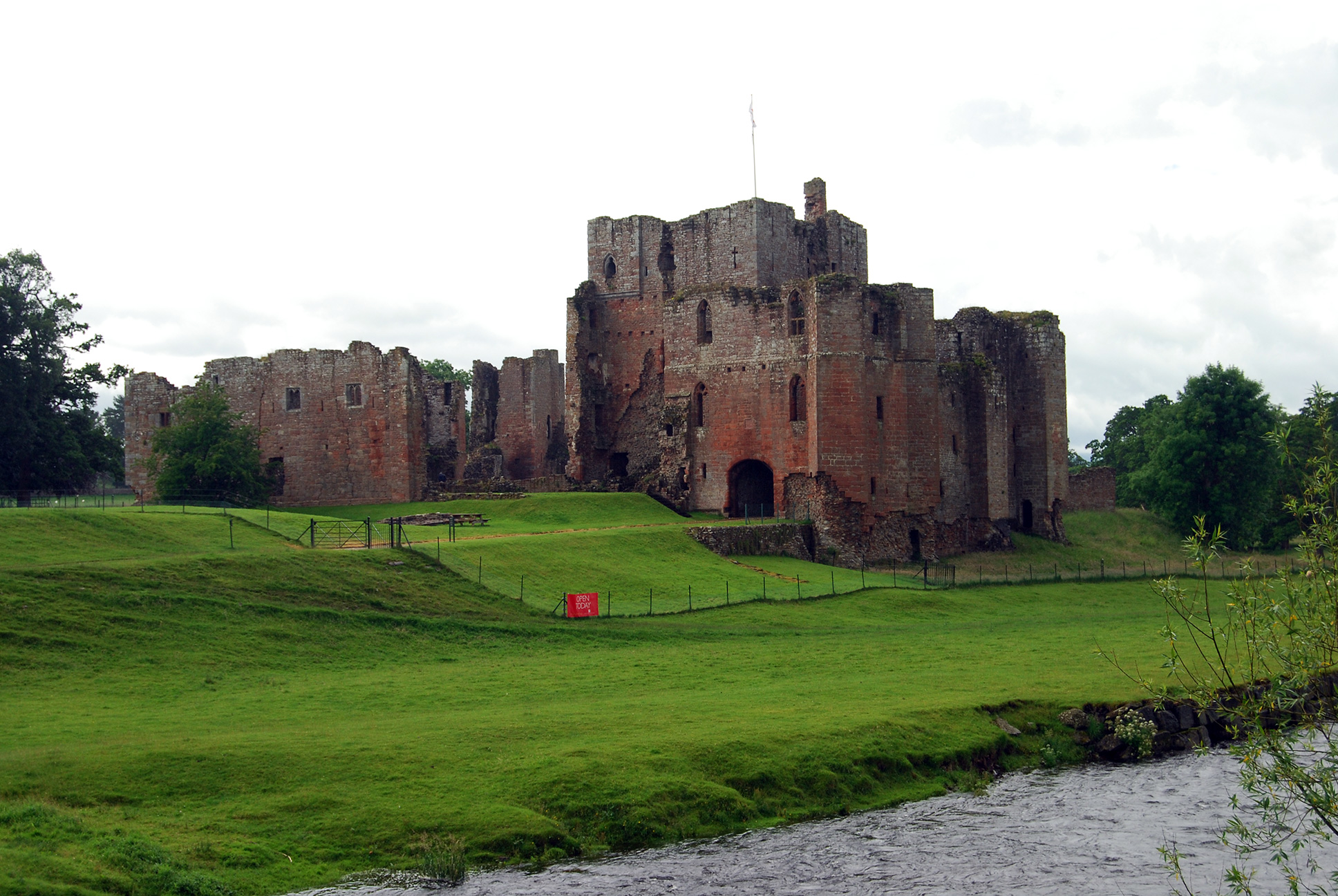 Great Castles - Gallery - Brougham Castle - Cumbria England