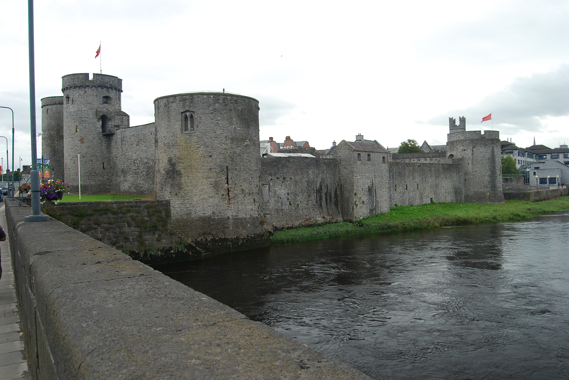 Great Castles - Gallery - King John's Castle - County ...