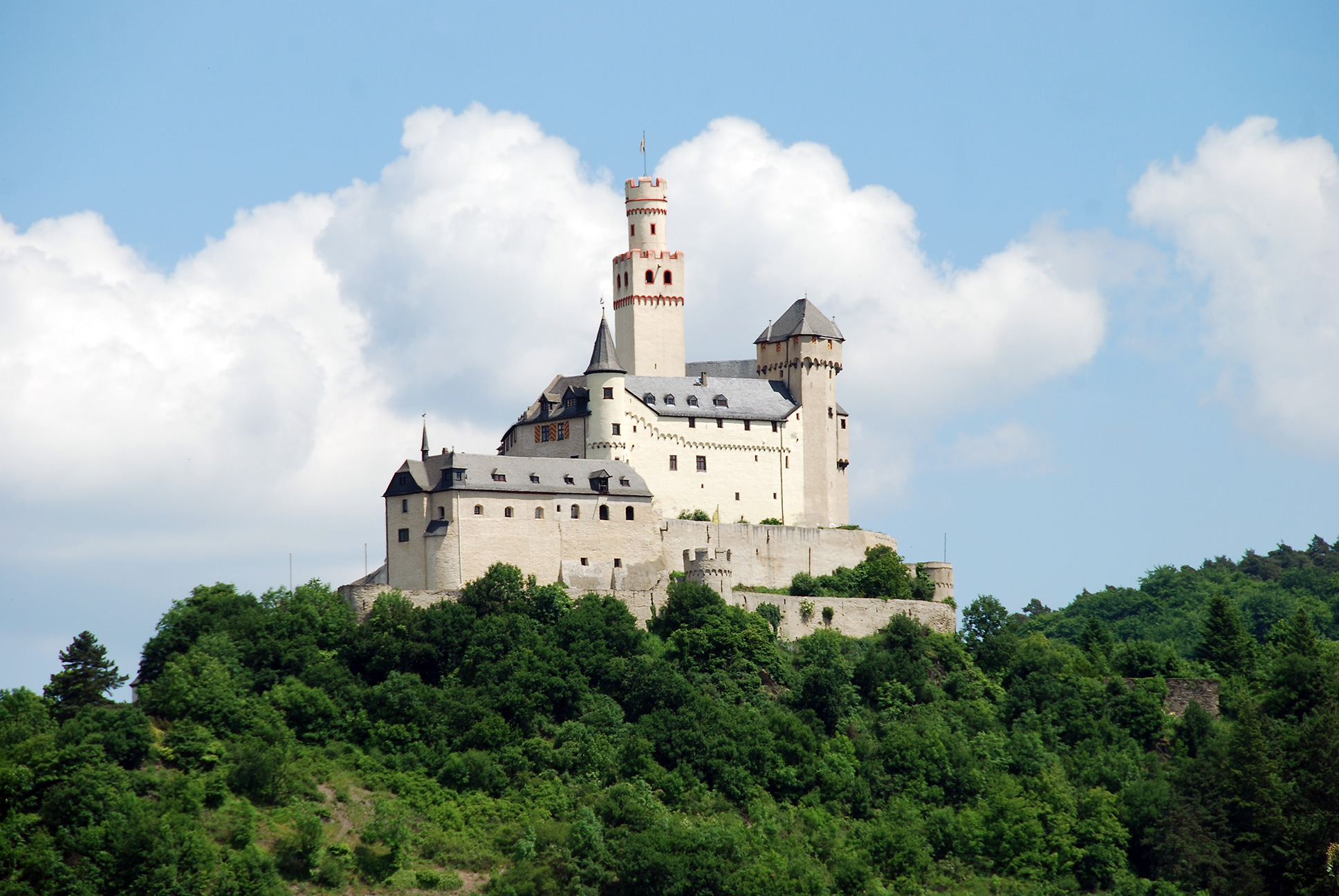 Great Castles Legends Burg Braubach Becomes The Marksburg