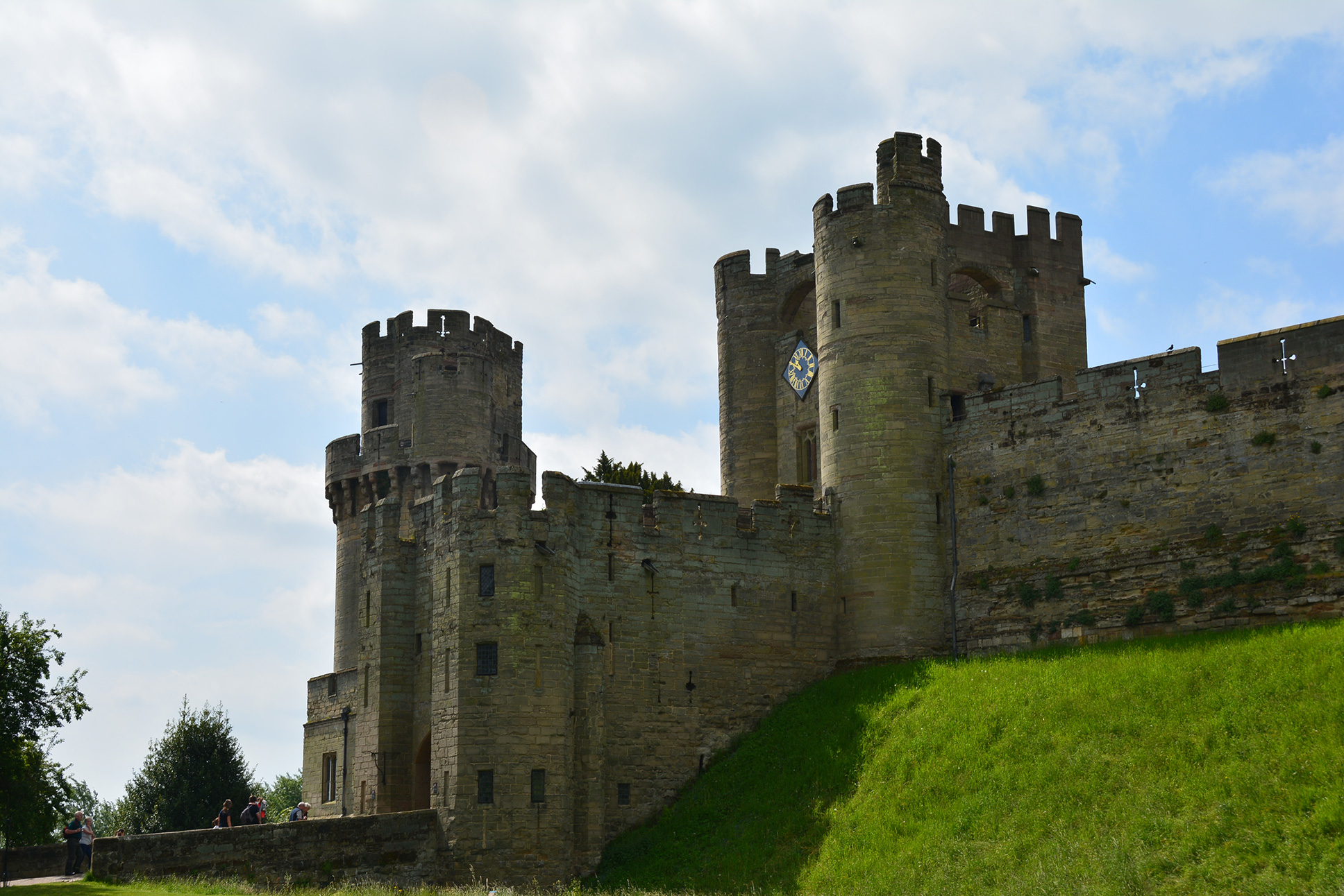 warwick castle Visit this site dedicated to providing information about the history of warwick castlefast and accurate details about the norman history of warwick castlelearn about the history of warwick.